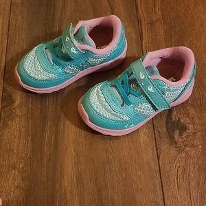 Girls saucony mermaid shoes